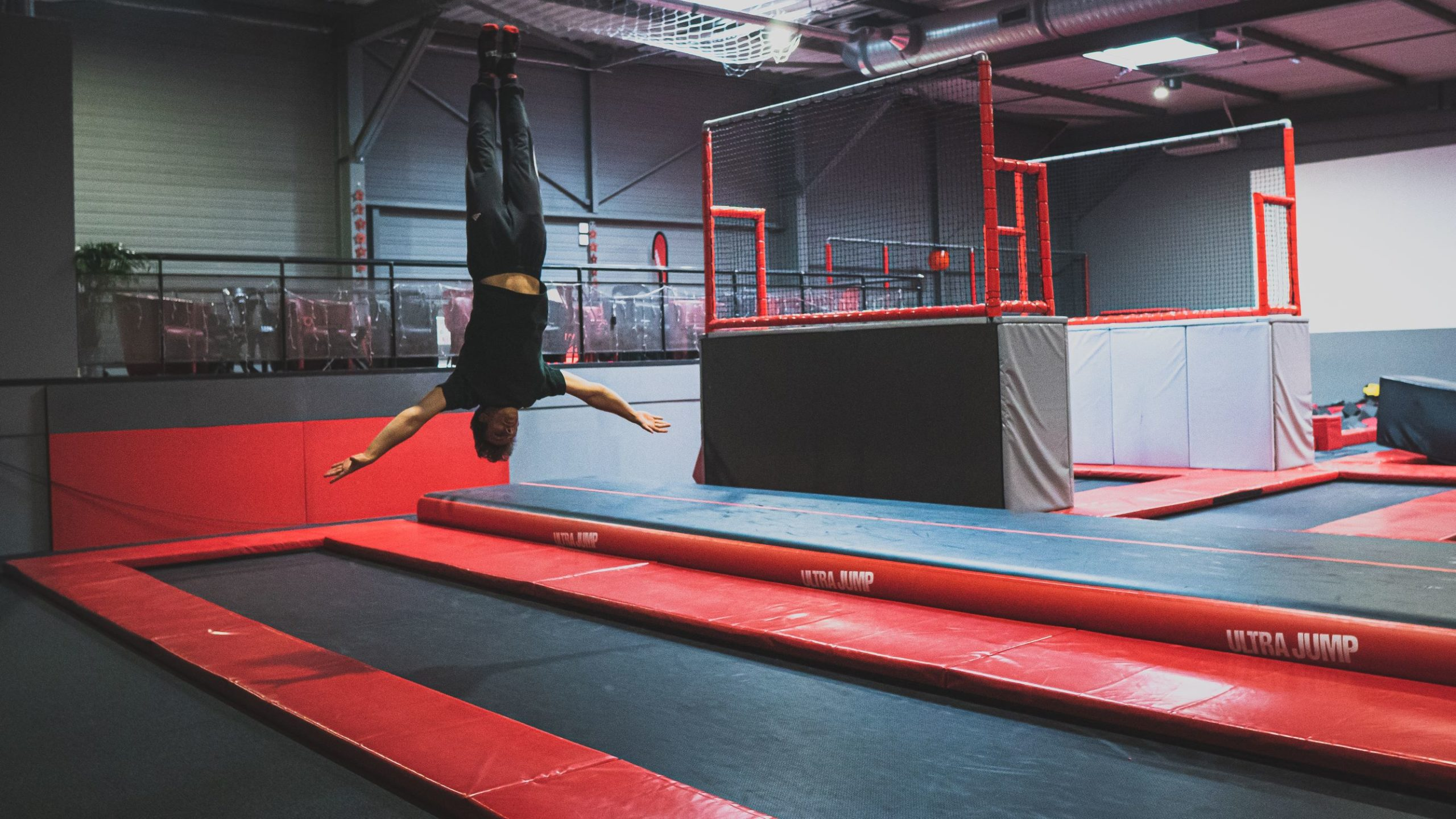 Trampoline Park Toulouse Ultra Jump activite tumbling