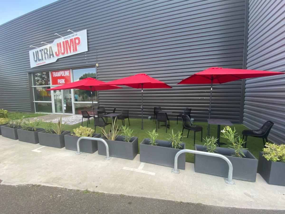Terrasse Trampoline Park Toulouse Ultra Jump